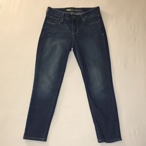 Old Navy cropped blue jeans size 2.